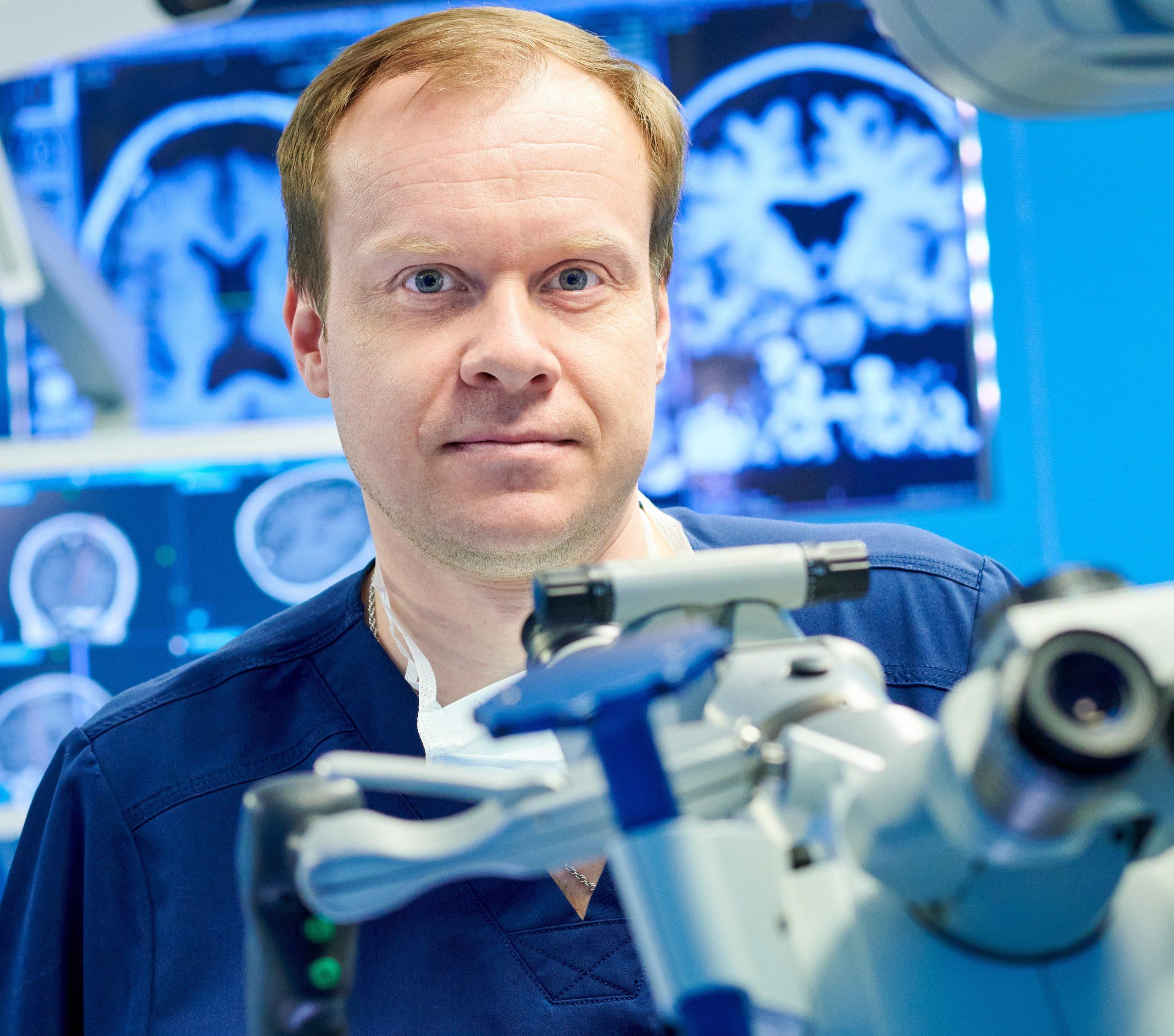 фото нейрохирурга д.м.н. Зуева А А